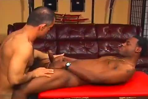 Slick Rick Works Out while receiveting his knob sucked By Morgan