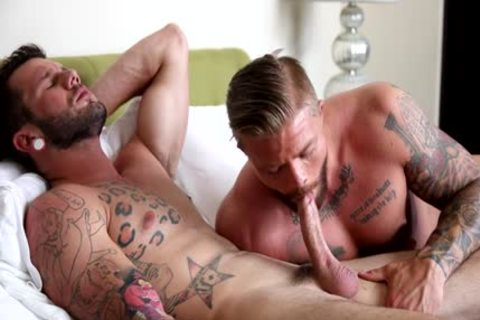 Muscle homosexual butthole invasion And cumshot